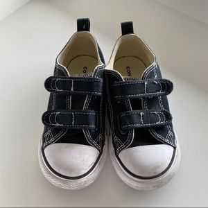 Converse Chuck Taylor 2V Ox Sneakers